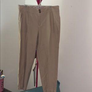 Laura Scott Women's Capri Pants